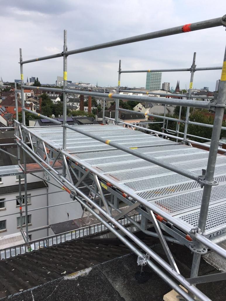 Kimi-Gerüstbau-für-Wedel-und-Hamburg-Einrüstung-Einfamilienhaus-Vorort-Hamburger-Westen-Bild-10