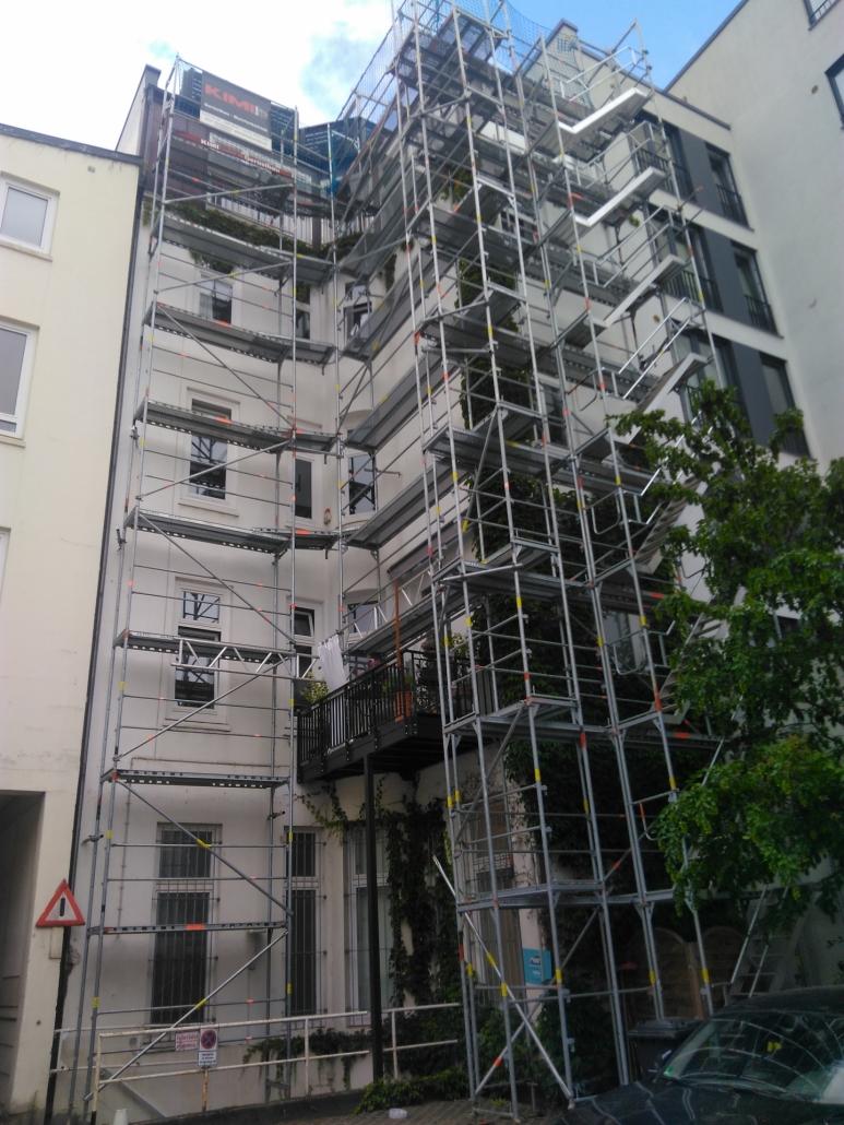 Kimi-Gerüstbau-Trockenbau-Fassadengerüst-Hamburg-Eppendorfer-Landstrasse-DISA-Hausverwaltung-Bild-1