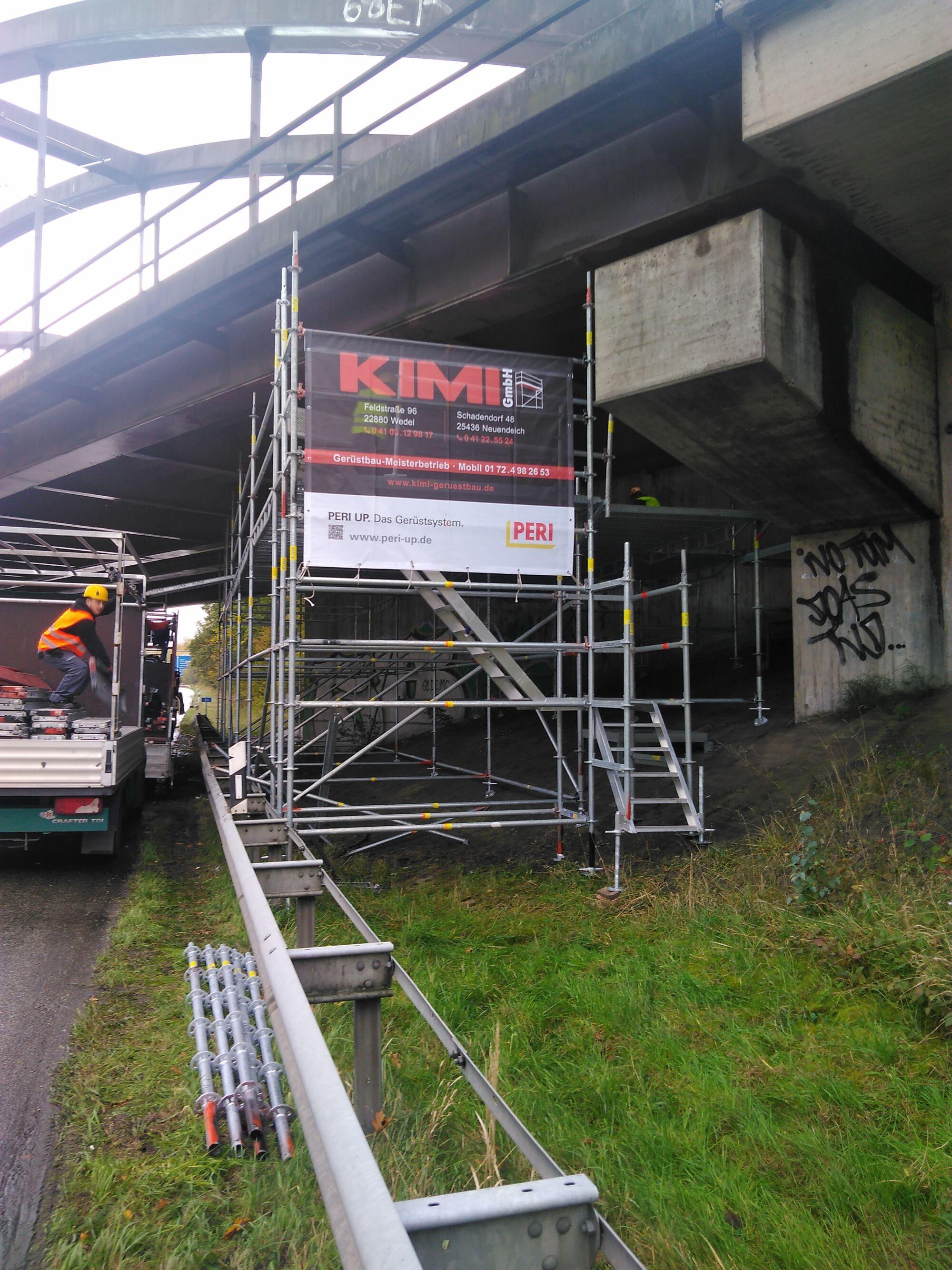 Industriespezialgerüst Autobahnbrücke Dänischburg in Zusammenarbeit mit Stahlbau Schröder-Bild-1