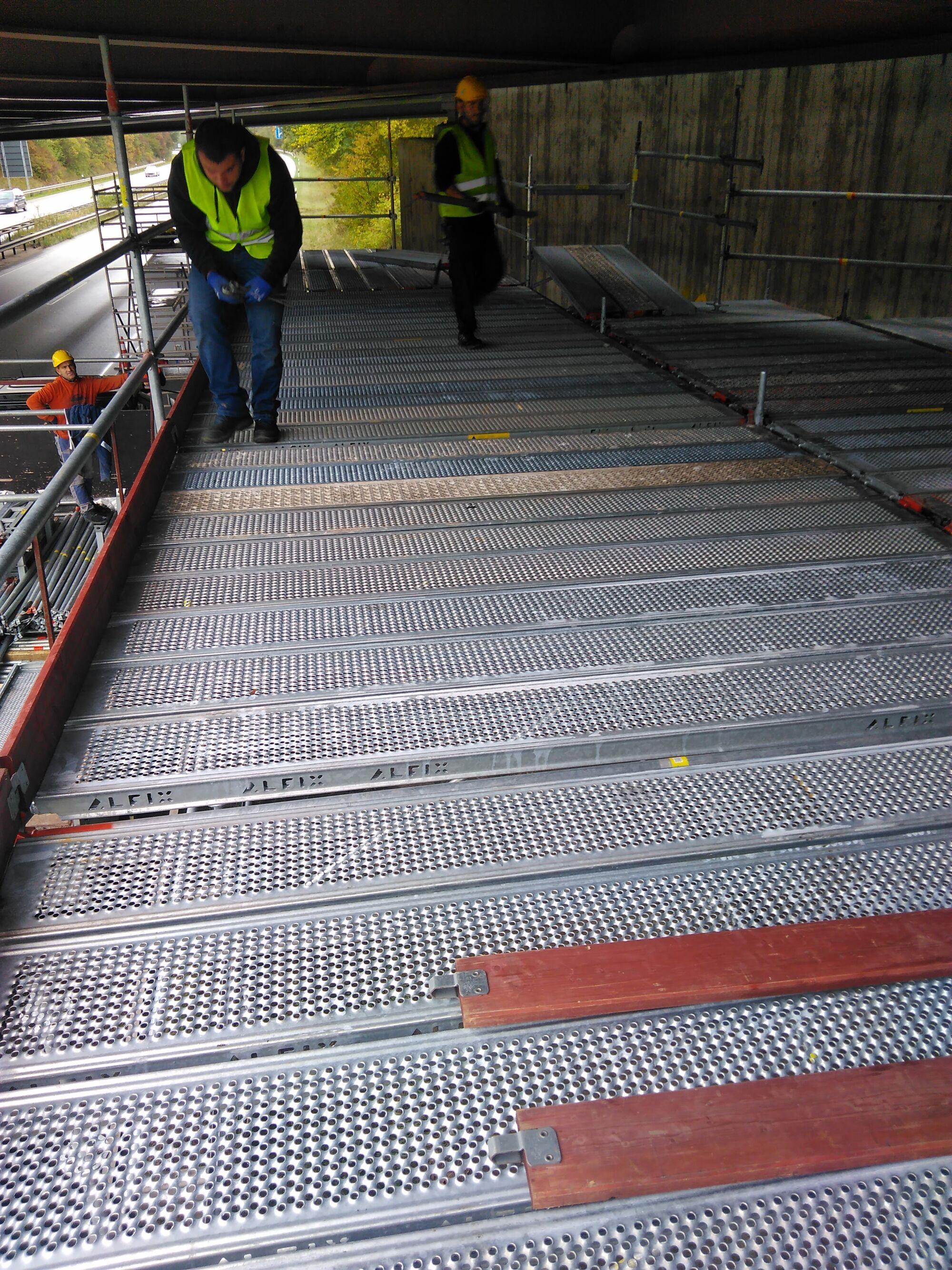 Industriespezialgerüst Autobahnbrücke Dänischburg in Zusammenarbeit mit Stahlbau Schröder-Bild-8